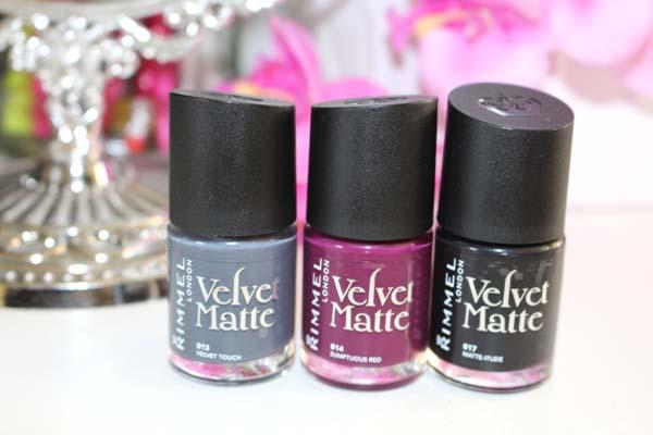 Rimmel Velvet Matte 2